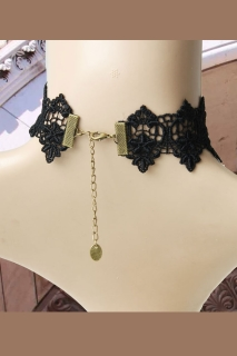 Victorian Lace Collier